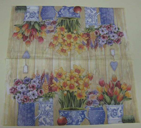 389220_Serviette-Töpfe-mit-Frühlingsblumen