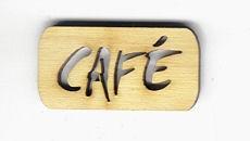 Holz-Schritzug Cafe