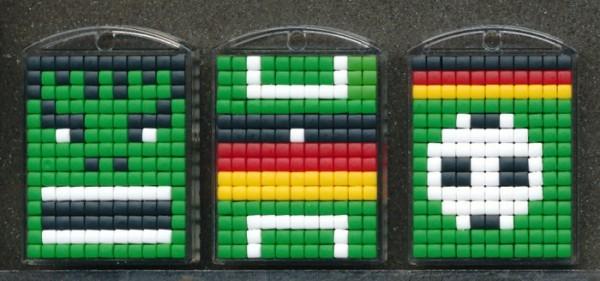 Pixel-Medaillons Fußball/Monster