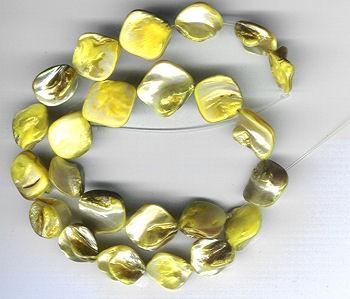 Muschelschalenperlen gold